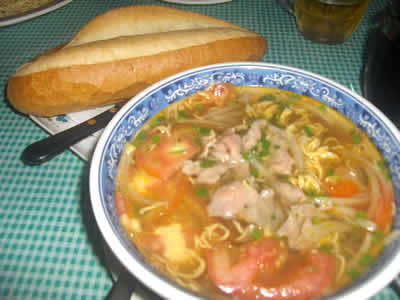 instant noodles..popular in nha trang's cafes